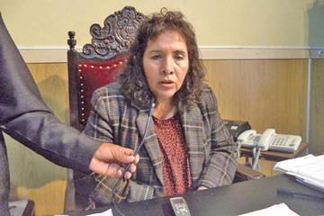 Presidenta del Concejo va a Comisión de Ética
