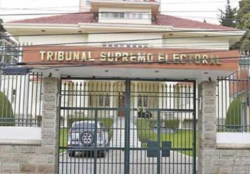 Renuncia el director del Sereci y la jefa de presupuestos del TSE