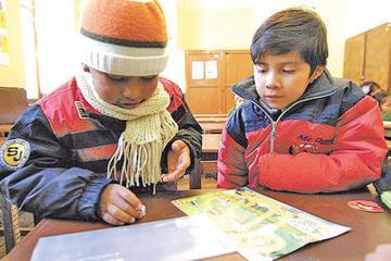 La junta escolar exige aplicar sanciones si no permiten uso de abrigo