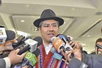 Afirman que depende de Evo aceptar invitación de Piñera para ir a Chile