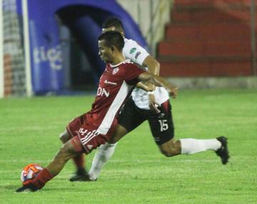 Nacional no recupera  la cima del Apertura
