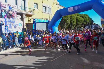 """Se cumple con éxito la carrera pedestre Potosí Corre 10 K """"Juntos por la Niñez"""""""