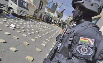 Secuestran más de media tonelada de cocaína en dos vehículos en la Llajta