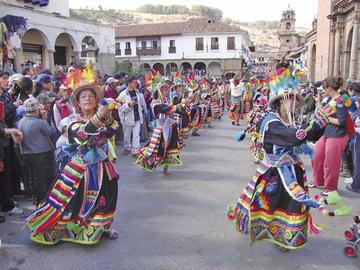 Bolivia destaca por la gran variedad de sus danzas