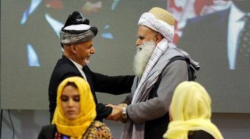 La gran asamblea afgana busca ponerle fin a 17 años de guerra