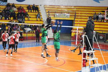 Lupita pasa a las semifinales en el nacional de voleibol