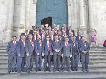 El Pichincha rindió homenaje ayer a los maestros y exalumnos fallecidos