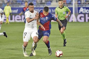 Valencia goleó y mandó a Huesca a segunda división