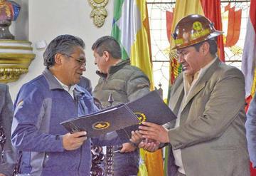 Destacan avances en política de exploración minera regional