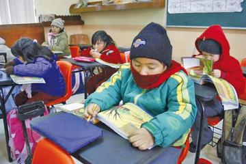 Junta escolar pide que se aplique el horario de invierno en las escuelas