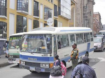 Los choferes hablan de revisar las tarifas del auto transporte