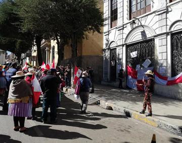 Comerciantes inician batalla por los espacios de venta en Potosí