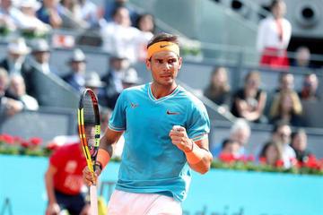 Nadal gana y se cita con Tsitsipas en semifinales