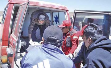 Ocho personas resultaron heridas tras una colisión frontal de vagonetas