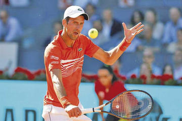 Djokovic vence a Thiem y jugará por tercera vez la final
