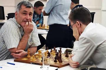 Ivanchuk y Antón disputan título de ajedrez