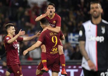Roma se impone 2-0 a Juventus Turín