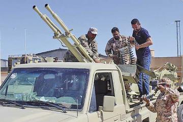 Bombardeos recrudecen en Libia y dejan tres fallecidos