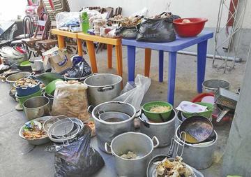 Sancionan a locatarios por el mal manejo de alimentos