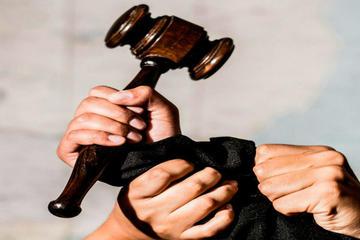 Informe concluye que no existe independencia judicial en Bolivia