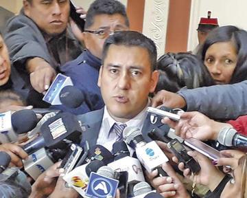 Despiden a 11 funcionarios por presentar títulos falsos