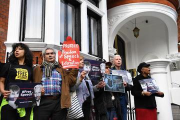 Presentan nuevos cargos contra Assange, uno de ellos espionaje