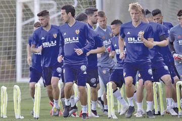 Barcelona y Valencia se juegan la Copa del Rey