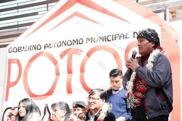 Evo anuncia $us 1.000 millones de inversión para el litio en Potosí