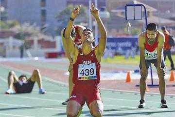Garrido se lleva oro sudamericano en 800 y 1.500 metros