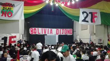 Plataformas piden votar por el candidato que pueda ganar a Morales