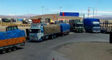Alertan que Chile no vigila paso de camiones con contrabando