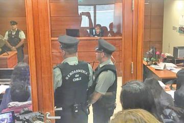 Detienen a cinco policías chilenos por dejar pasar contrabando a Bolivia
