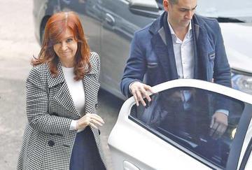 Piden iniciar proceso a Cristina Fernández por delitos financieros