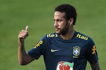 Bolsonaro declara su apoyo a Neymar