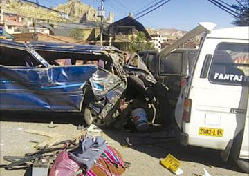 La Paz: una colisión en Achumani provoca un muerto y ocho heridos