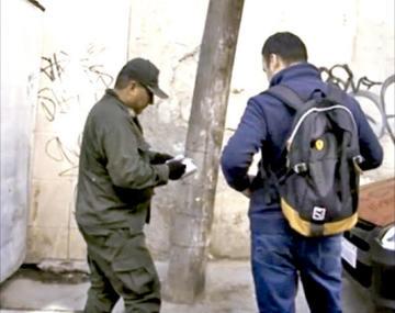 Sorprenden a policías haciendo cobros directos