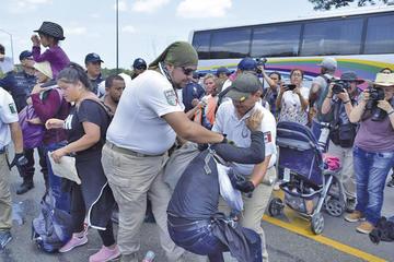 Acuerdo migratorio de EE.UU. suspende aranceles a México