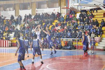 """Segunda jornada de la final de básquet se juega hoy en el """"10 de Noviembre"""""""