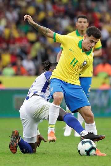 Brasil golea sin problemas a Honduras