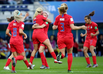 Estados Unidos golea 13-0 a Tailandia