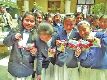 Distribuyen 17 productos en escuelas potosinas