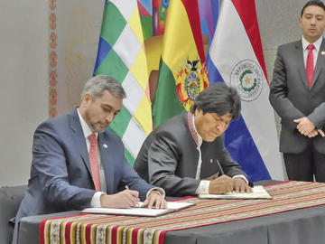 Bolivia y Paraguay sellan alianza estratégica y firman 22 acuerdos