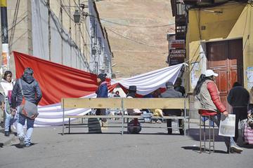 Los cívicos van a paro de 24 horas exigiendo más regalías por el litio