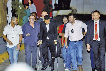 Neymar fue interrogado por la policía