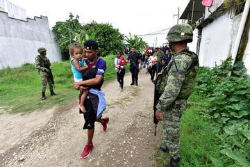 México blindará frontera sur con más agentes  y Guardia Nacional