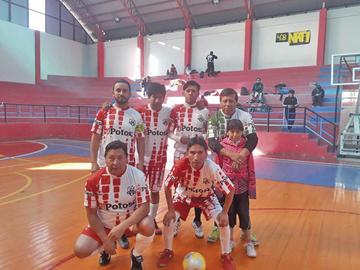 El Potosí goleó a Competencia y se adueñó de la cima del torneo del CPDP