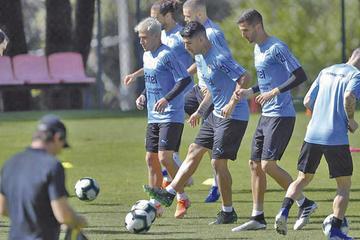 """Uruguay y Ecuador se miden en el estadio """"Mineirao"""""""