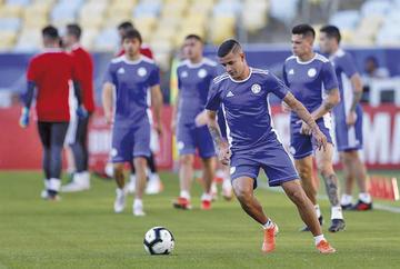 Paraguay debuta ante el campeón asiático