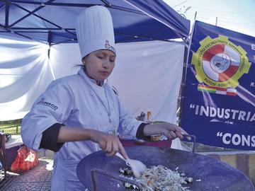 Institutos exponen práctica en gastronomía y turismo