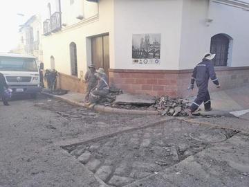 Choferes piden informar sobre el corte de calles por trabajos de bacheos
